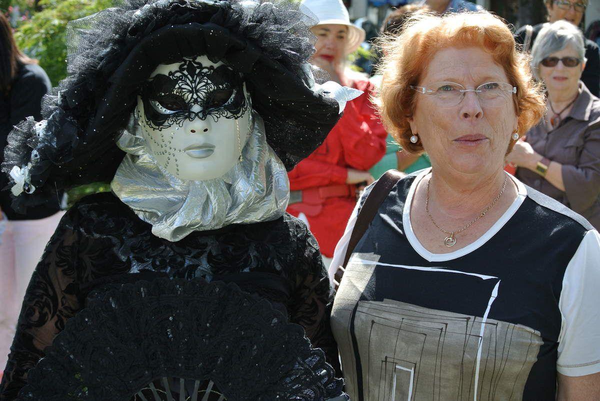 Christiane, présidente de VCBA et Bernadette Jougleux, adjointe au Maire.