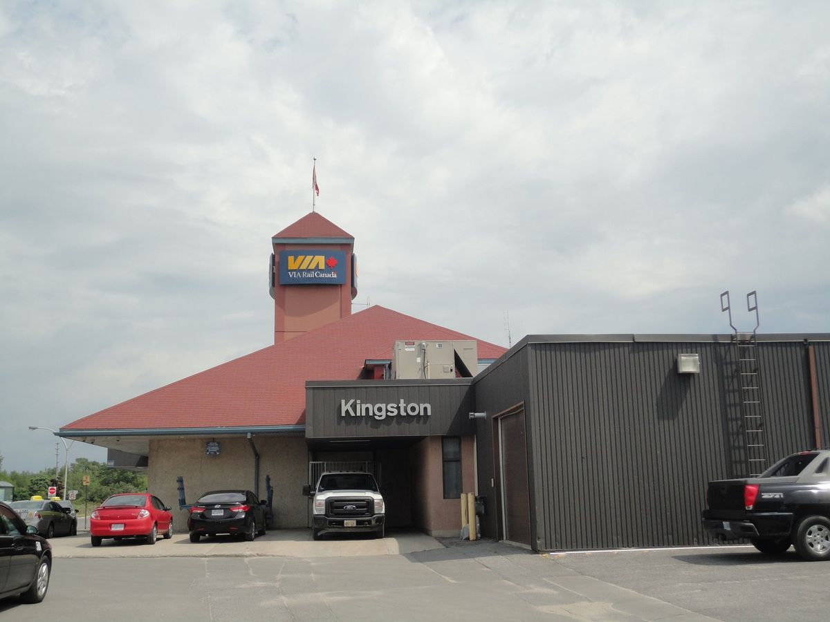 Des photos du lac Ontario et de la gare de Kingston
