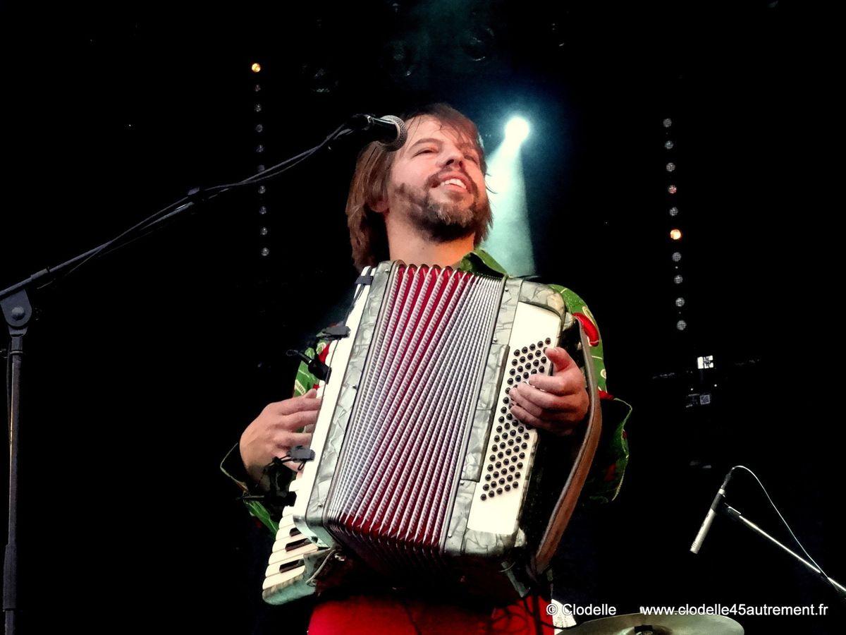 WINSTON MCANUFF & FIXI à l'OENO MUSIC FESTIVAL de Dijon: bain de foule pour Electric Dread