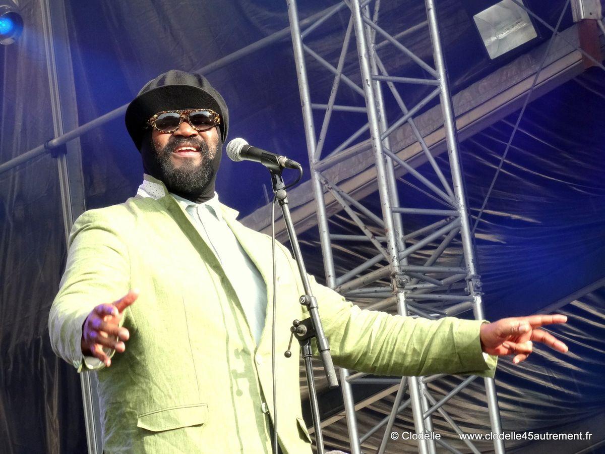 - L' émouvante voix jazz soul de GREGORY PORTER enchante le FNAC MUSIC LIVE