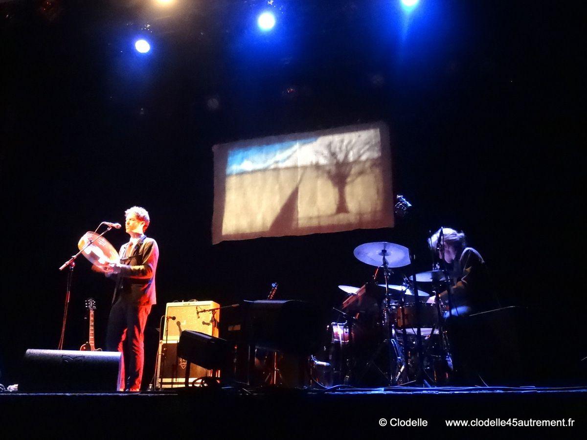 IMAGES de PIERS FACCINI en concert à Saint Jean de la Ruelle (Loiret) le 25 mars 2015