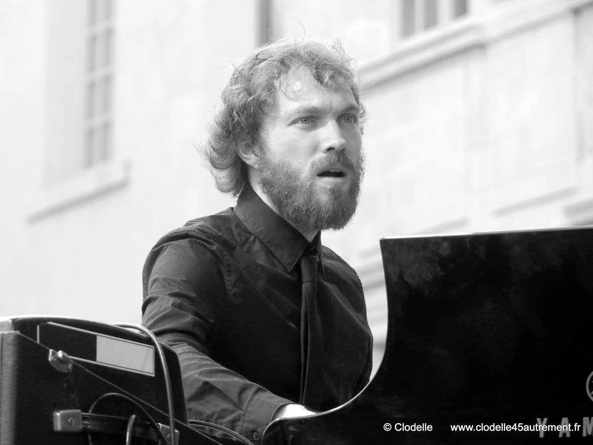 """Le pianiste d'origine chartraine Gauthier Toux, lauréat avec son trio du tremplin """"Jazz or jazz"""" 2016"""