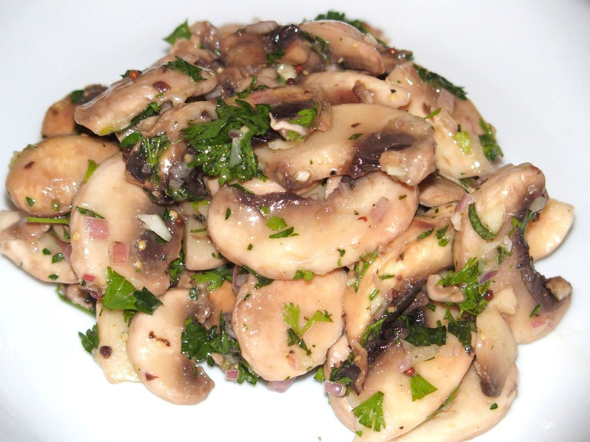 salade de champignons de paris les recettes de virginie. Black Bedroom Furniture Sets. Home Design Ideas
