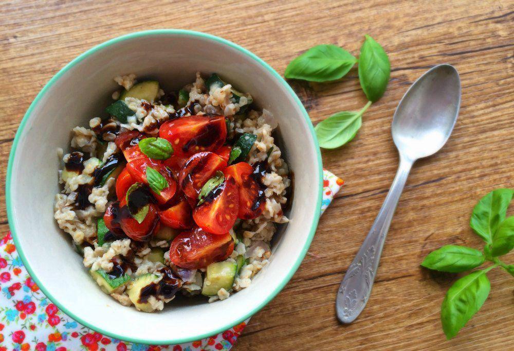 Porridge salé {courgette, tomates cerise et basilic} pour 1.2.3 Veggie !