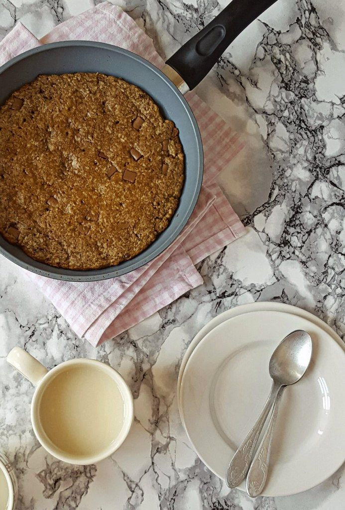 Cookie complet et géant : noix de coco/pépites de chocolat, cuit à la poêle ! (vegan)
