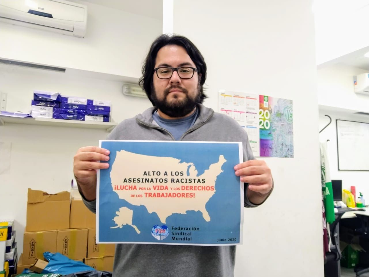 source : http://www.wftucentral.org/photos-du-monde-entier-pour-la-campagne-fsm-en-solidarite-avec-le-peuple-etasunien-en-lutte/?lang=fr