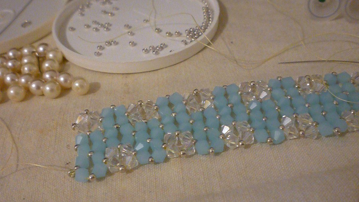Mon petit nouveau bracelet bleu ciel blanc Swarovski