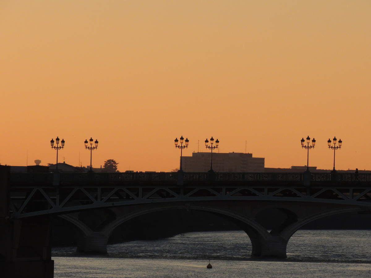Toulouse, un soir de mars, le pont St Pierre