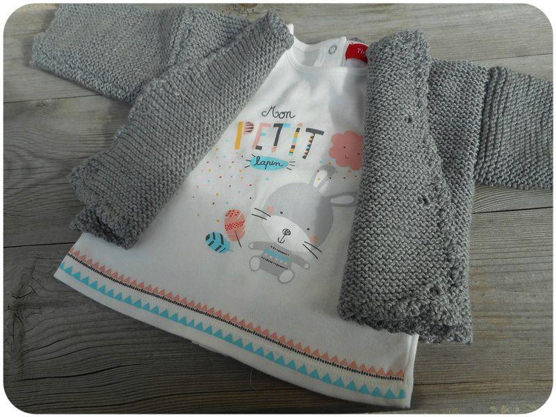 """J'ai utilisé une p'tite étiquette en tissus """" knitted by be"""" offerte par ma poule d'amouuur Marjo!"""