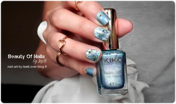 ❀ Nail Art, Fleurs bleues.