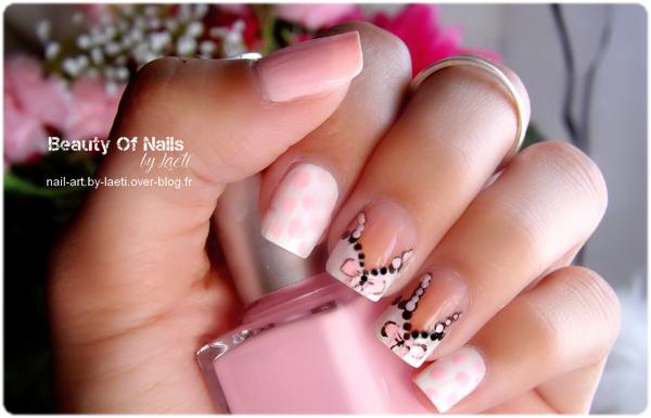 ❀ Nail Art, Lingerie à pois.