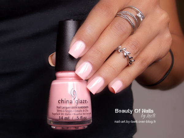 ❀ China Glaze, Spring In My Step &amp&#x3B; Highlight Of My Summer.