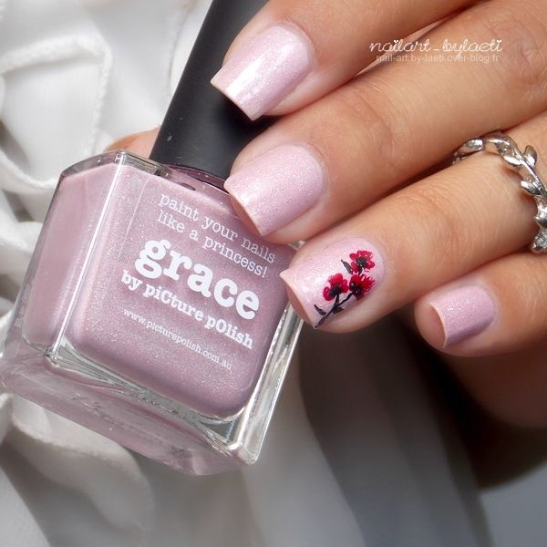 ❀ Un Accent Nail So Romantic.