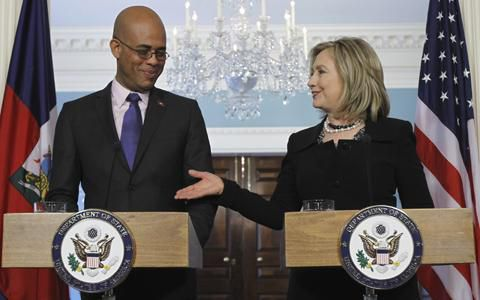 M. J. Martelly et H. R Clinton