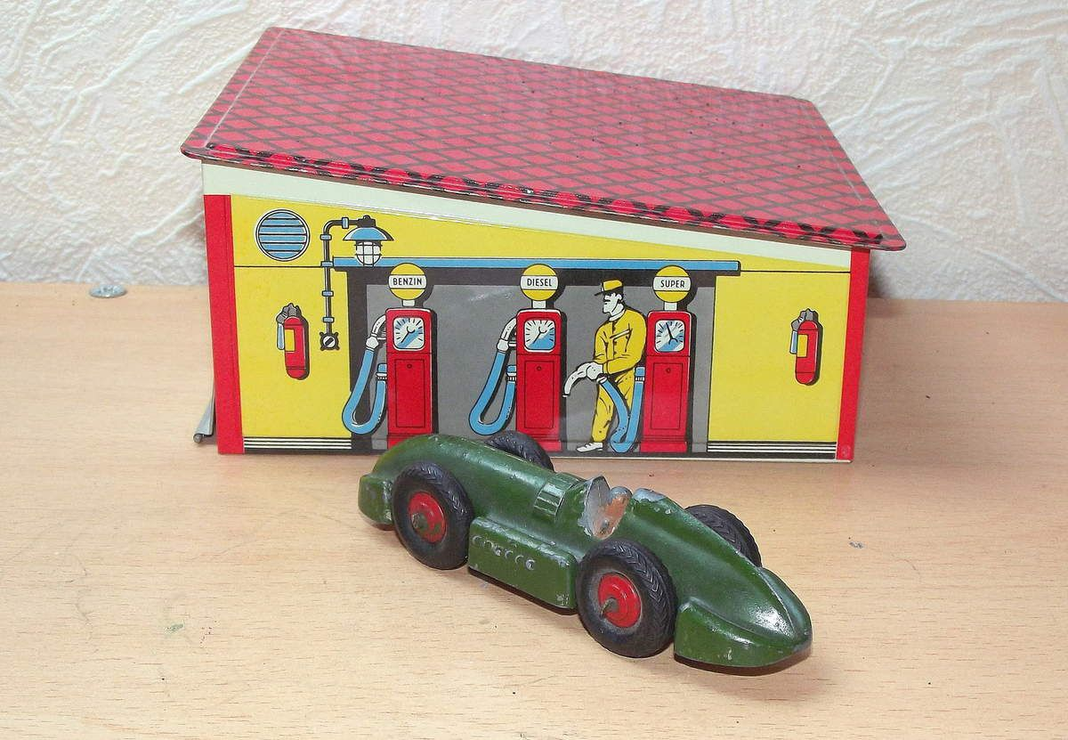 Dinky toys GB voiture de course Speed of the Wind