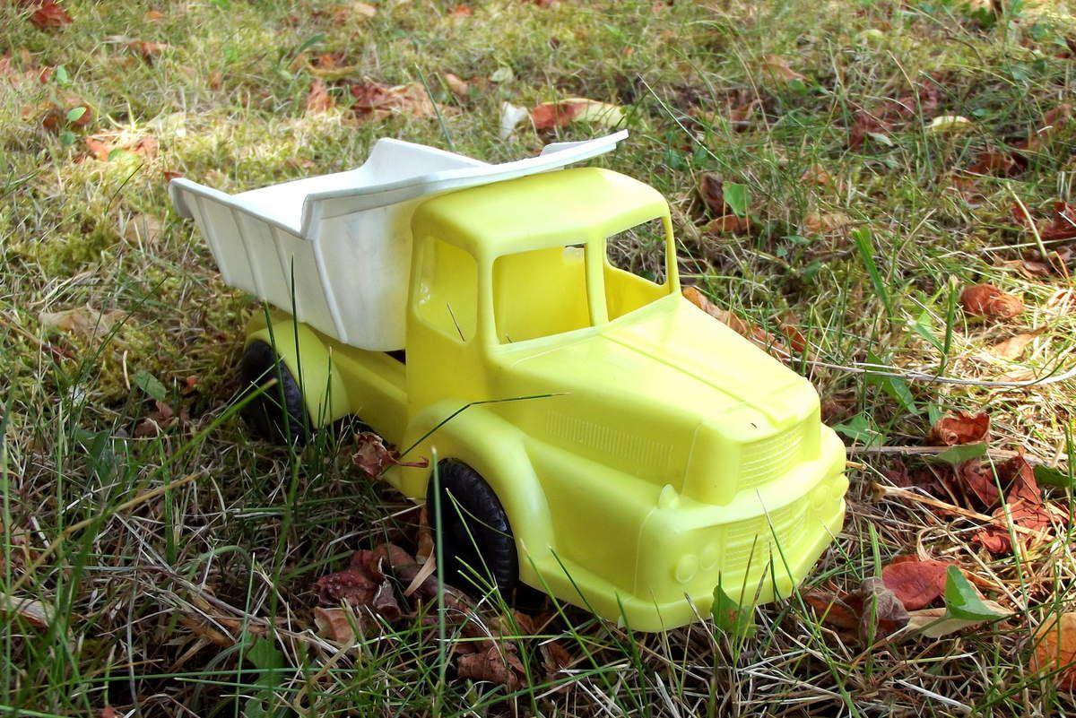 Unic / Berliet camion benne jouet de bazar