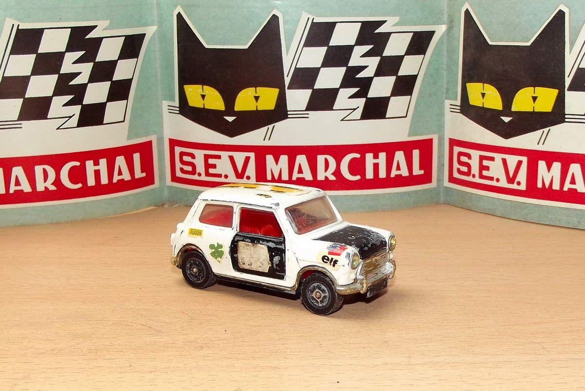 Corgi toys Mini austin cooper S