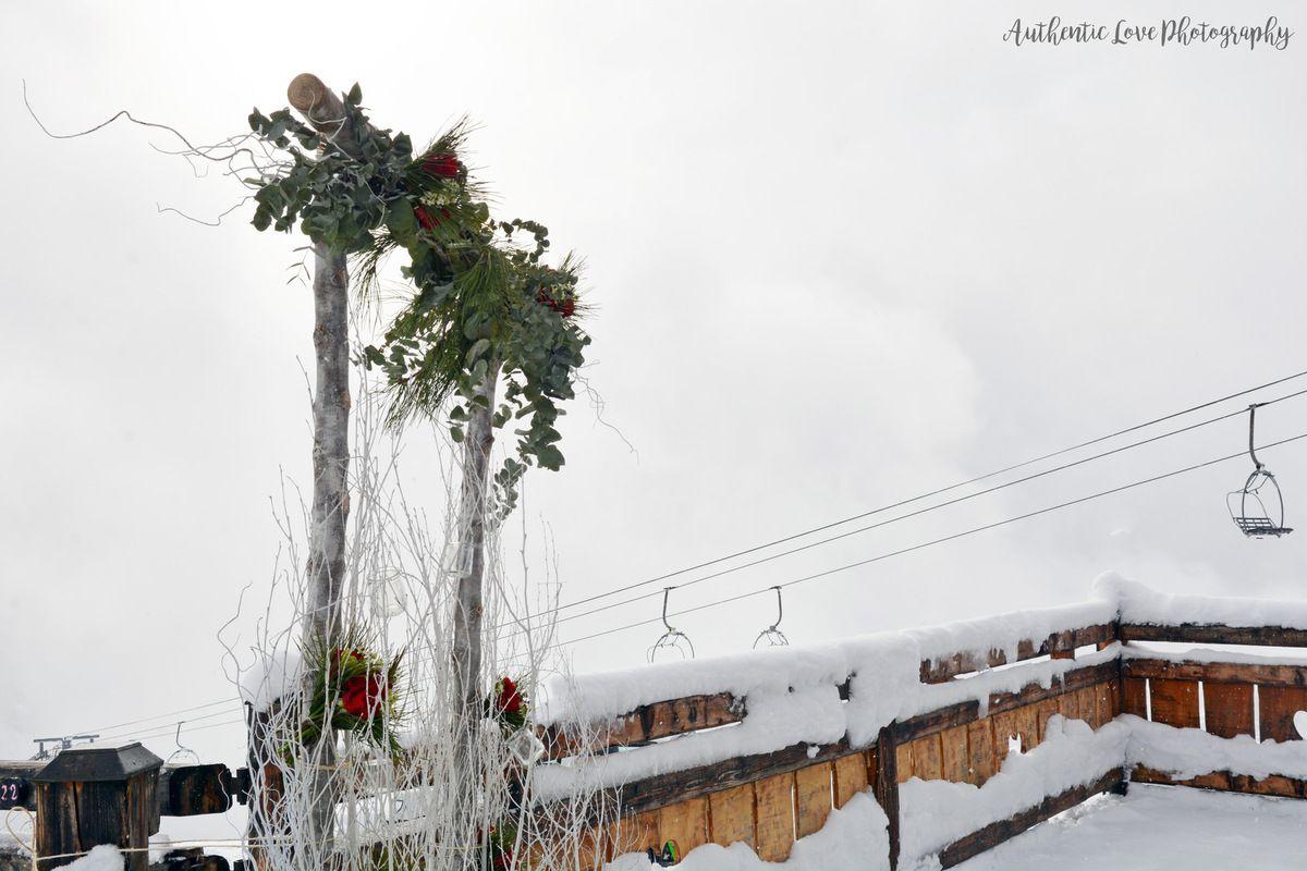 Un mariage sous la neige, festif et plein d'originalité !