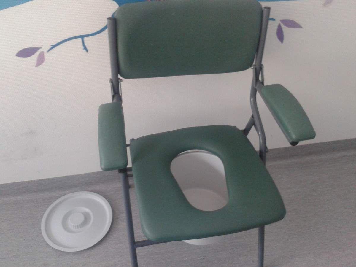 Chaise avec trou meuble de salon contemporain for Chaise a trou