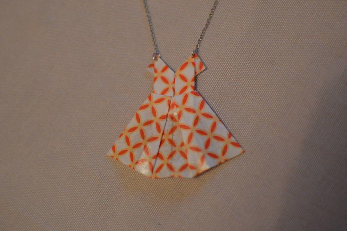 Collier robe en origami l et ses p 39 tites mains - Robe en origami ...
