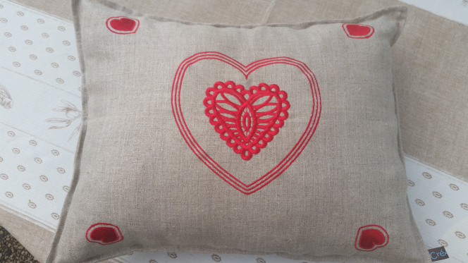 Coussin en lin - Cushion red hearts
