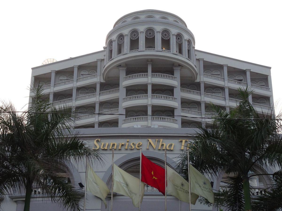 DE BEAUX HOTELS