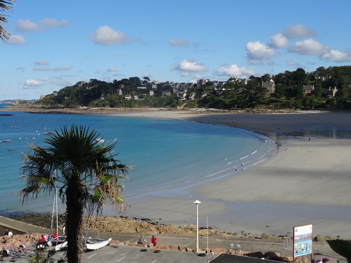 En Bretagne nord, la Côte de Granit Rose...