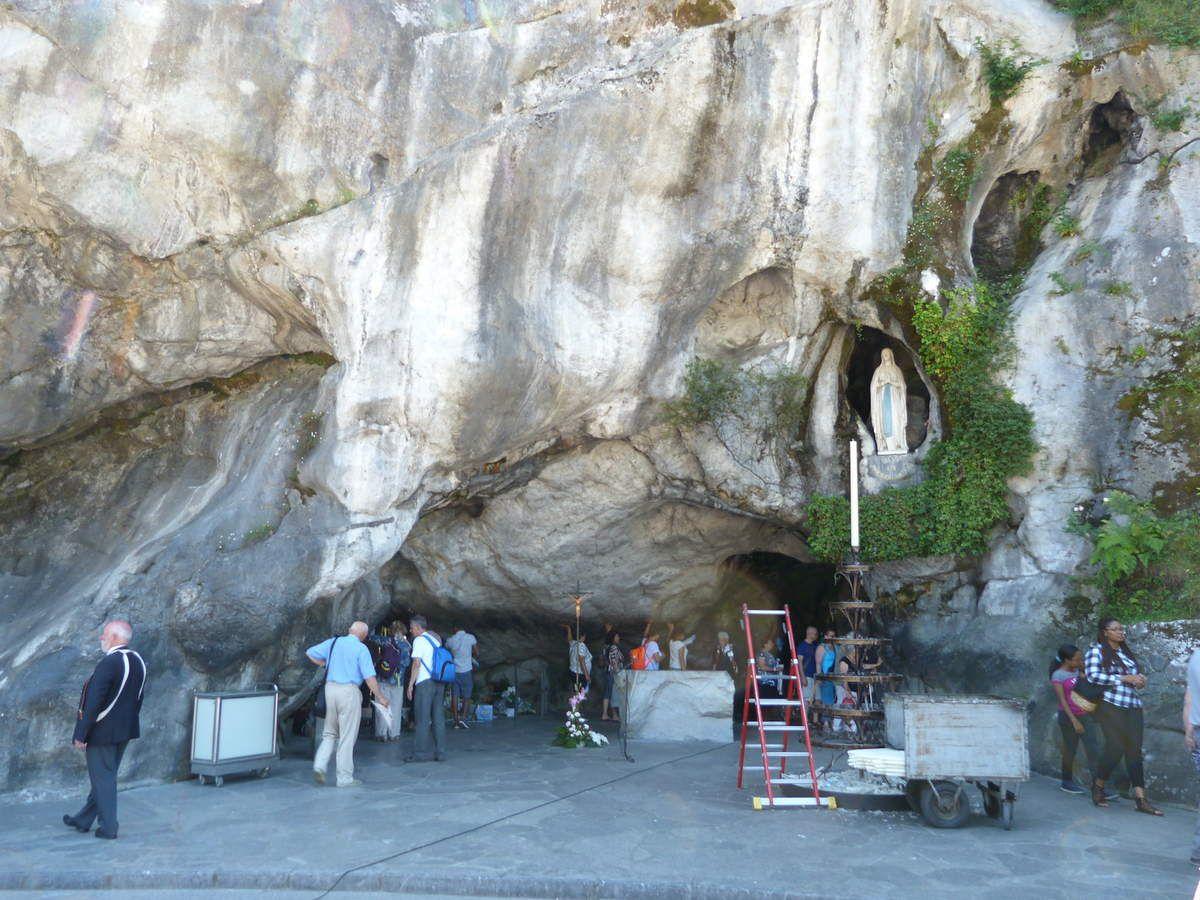 la grotte miraculeuse