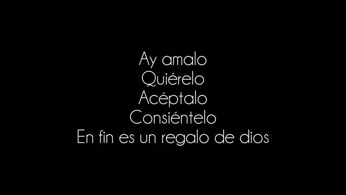 Romeo Santos interprète une chanson à thématique gay intitulée &quot&#x3B;No Tiene la Culpa&quot&#x3B;