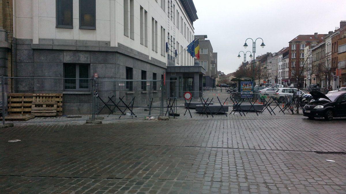 Les molenbeekois en zone attentat ! Le monde politique en silence
