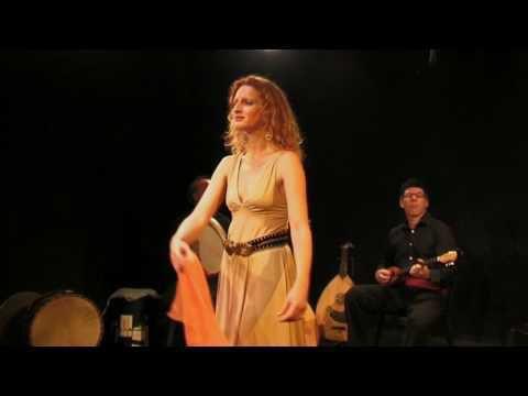 Katerina Vlahou : itinérances musicales autour des musiques et chants populaires des îles grecques