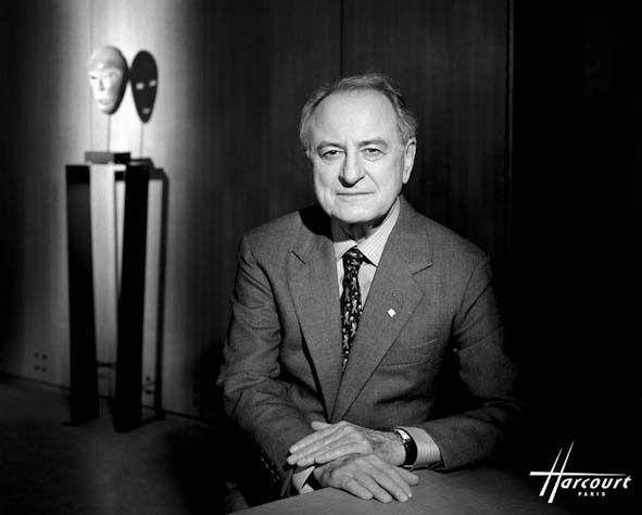 Il s'éteint le 8 septembre 2017 à l'âge de 86 ans dans la ville de Saint-Rémy-de-Provence. Il était un des grands , que c'est bien triste !