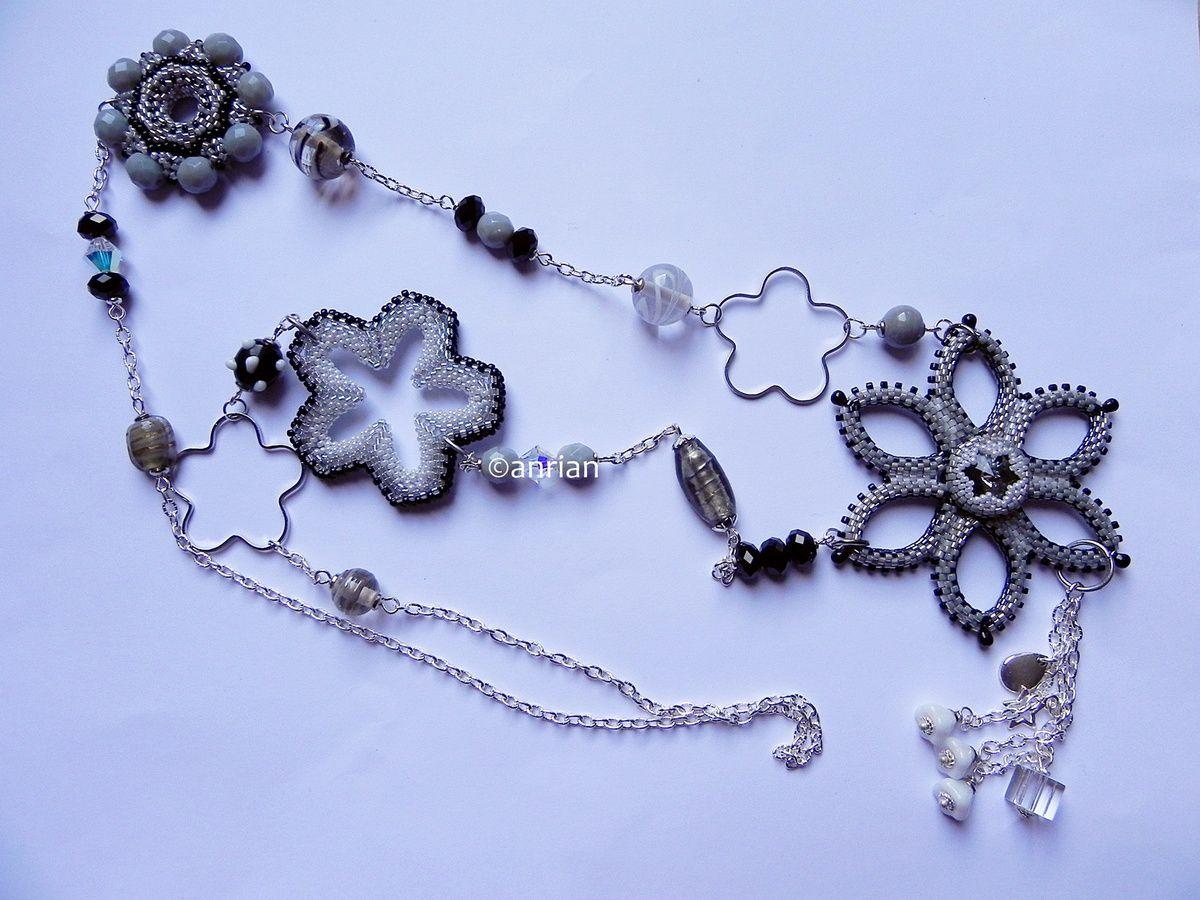 Sautoir Flower gris