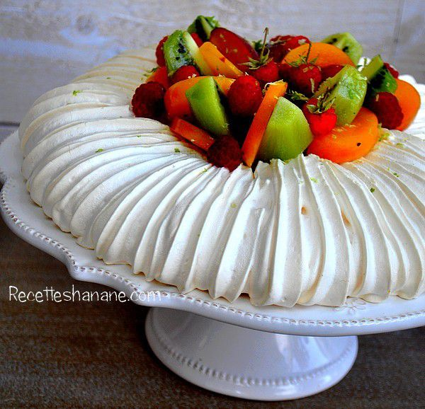 pavlova recette facile recettes by hanane. Black Bedroom Furniture Sets. Home Design Ideas