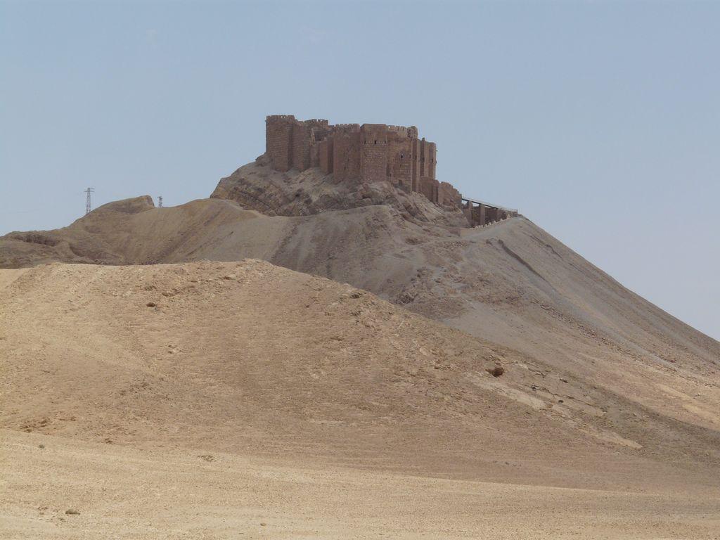 la citadelle de Palmyre au crépuscule