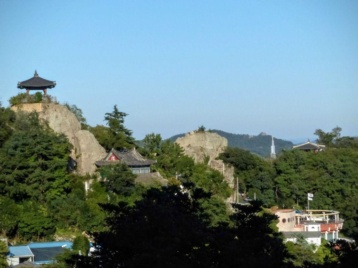 d'autres petits temples sur les hauteurs de la ville