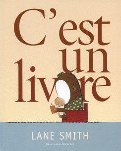 C'est un livre éditions Gallimard Jeunesse
