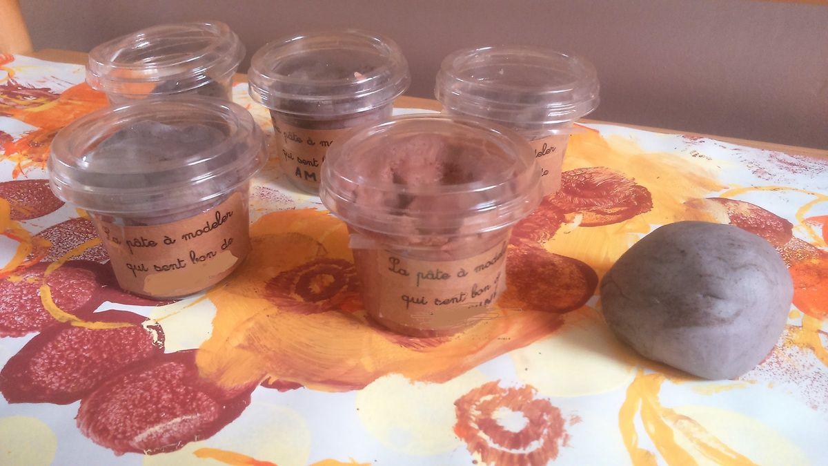 Pâte à modeler parfumée et Himmelfarb chez Fanou