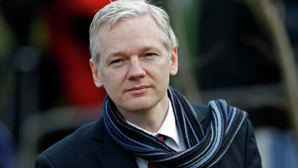 Assange accuse Google de collaborer avec les services secrets US