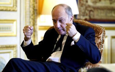 Photo: L. Fabius, Ministre des affaires de la tremblote