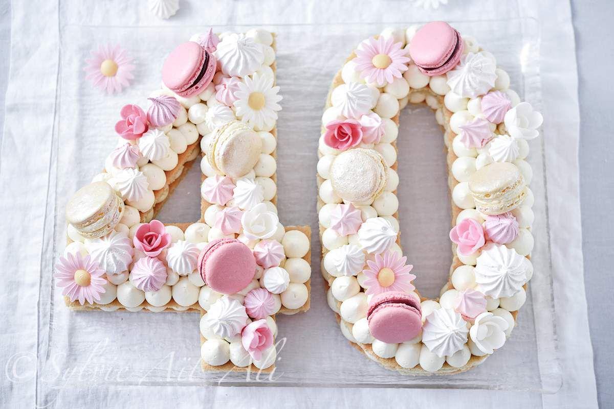Les gâteaux en forme de chiffre ou lettre font fureur sur la toile en ce  moment. Le plus souvent sur une base de pâte sablée, chantilly, fruit frais  et une