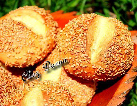 petits pains pistolets au sésame خبيزات بلجيكية بالجلجلان