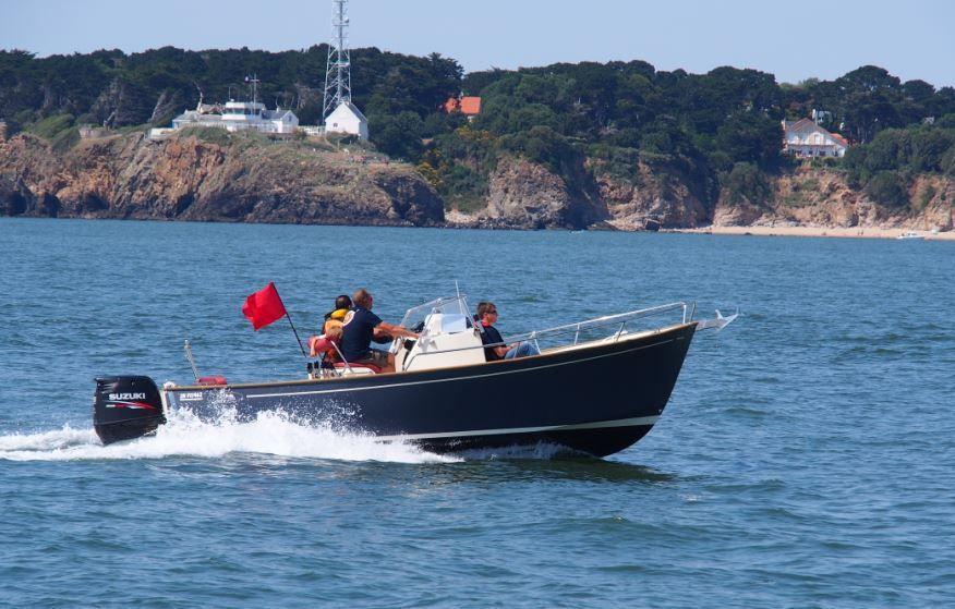 Rhea 23 Open en navigation