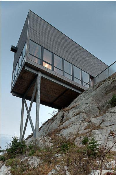 architecture extraordinaire une maison sur une falaise en nouvelle ecosse. Black Bedroom Furniture Sets. Home Design Ideas