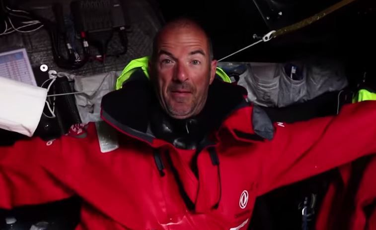 VIDEO Volvo Ocean Race - attaque de poissons volants contre DongFeng