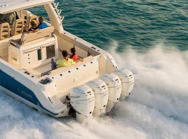 Le Boston Whaler 420 Outrage : le plus grand Boston Whaler jamais construit....