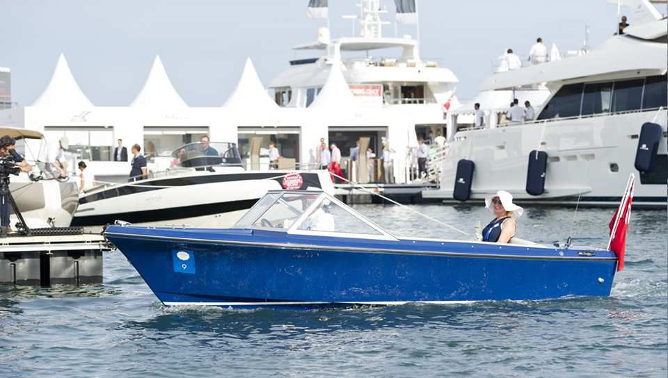 Poole Power Boats (Sunseeker) - Sovereigne Hostess 17 (1969)