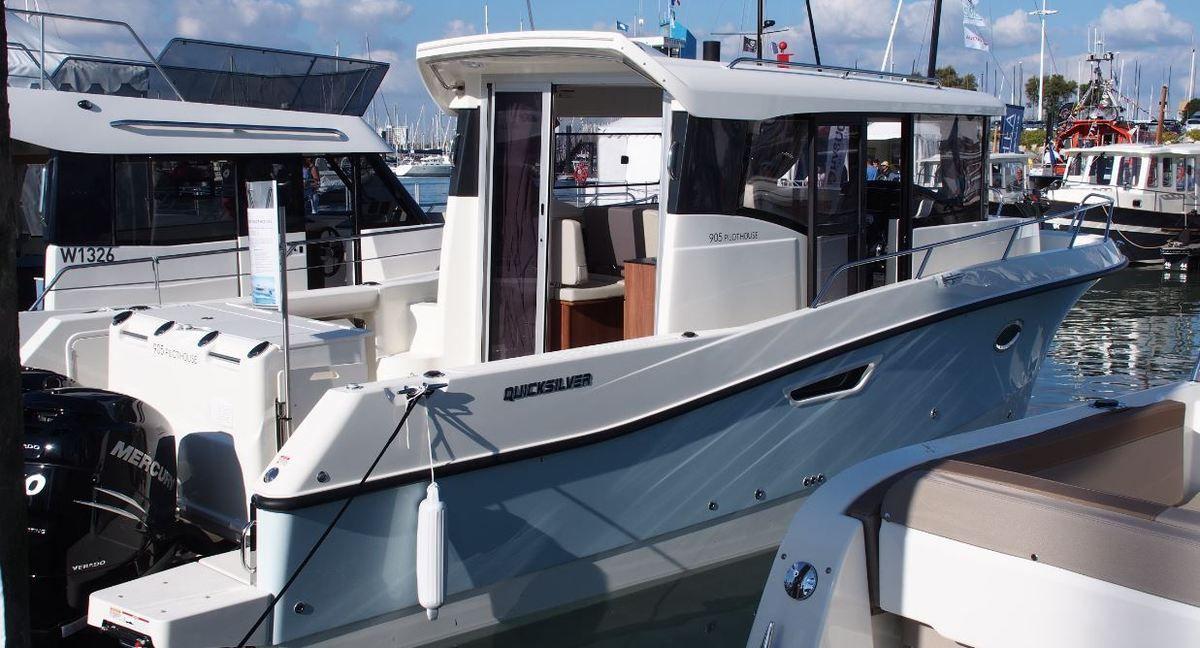 Quicksilver 905 Pilothouse, entre fishing sportif et croisière côtière