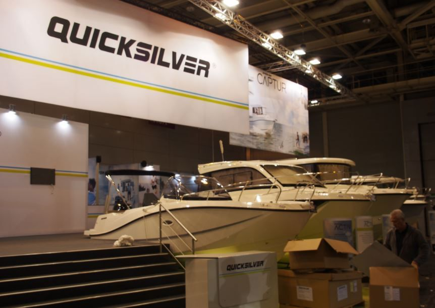 Nautic de paris le chantier quicksilver en force porte for Salon bateau paris