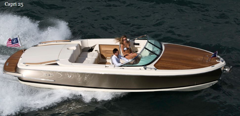 Le Chris-Craft Capri 25